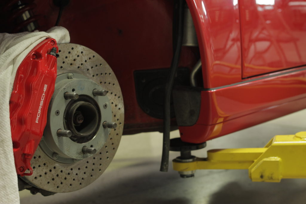 Red brakes designed for a Porsche 933 were installed to better match with the car's new speeds.
